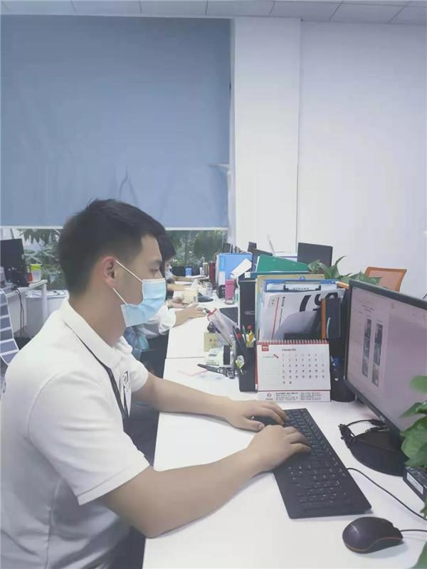 """从中国武警部队到时丰物流,西航学长邵博文从""""心""""出发斗志昂扬"""