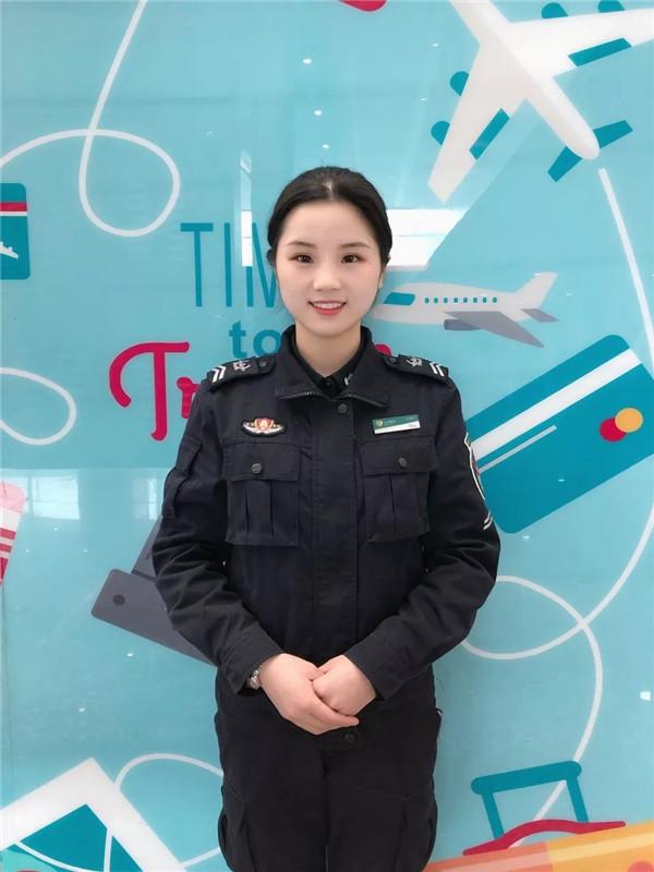 广州白云机场安检员廖月华:实习仅一年!她就获得众多专业奖项