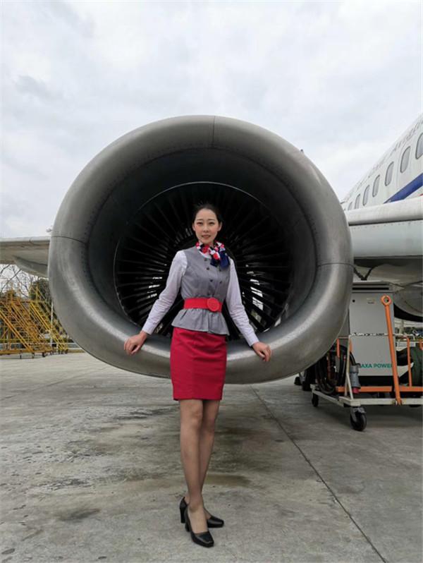 南方航空空姐屈麟婧:越努力,越幸运,我一直在创造着我的惊喜