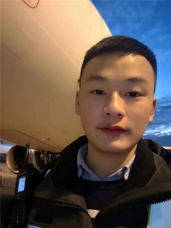 上海春秋航空机务钟鑫:严格遵守规章,争做合格机务