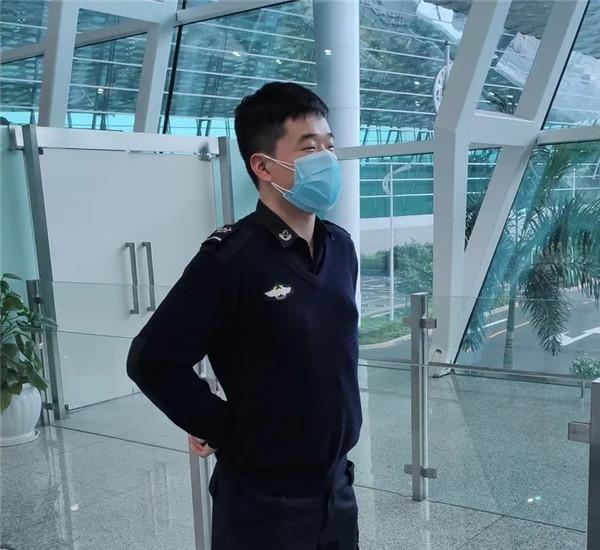 深圳宝安国际机场安检员秦健锋:不放过任何细节,细心做好每一件小事