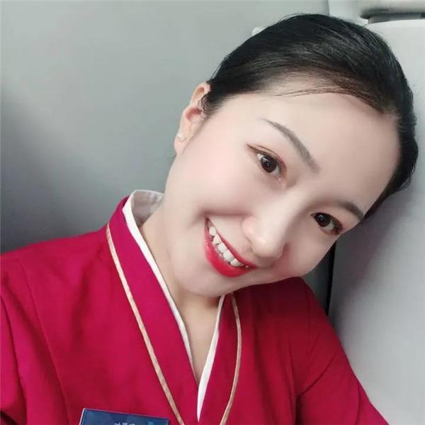 中国南方航空空姐陶夏如:多一份坚持,就多一份希望
